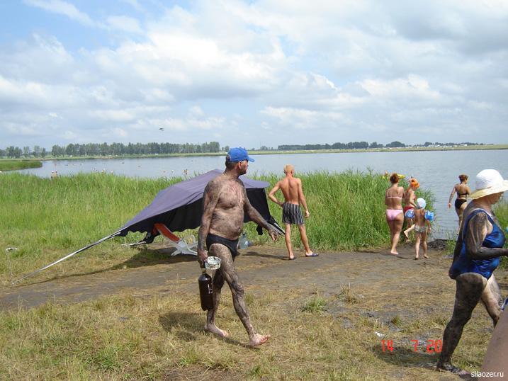 Солёное озеро в Завьялово богато лечебной грязью