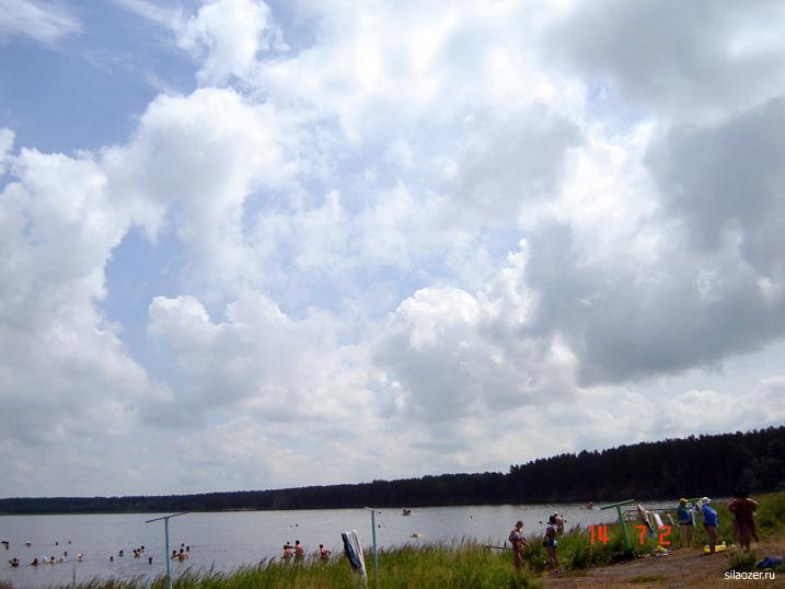 Солёное озеро в Завьялово популярно у всех поколений туристов