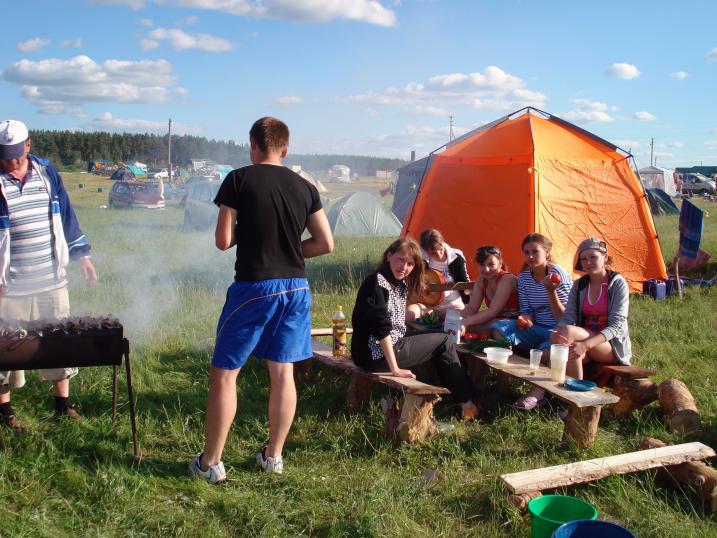 В палаточном городке в Завьялово весело и комфортно